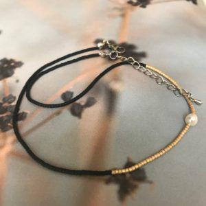 Fiora Nishi, Shoker, Miyuki necklace gold and black